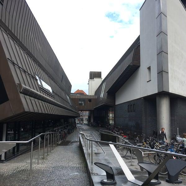 Das Foto wurde bei Stadtbücherei Münster von geheimtip ʞ. am 8/19/2017 aufgenommen