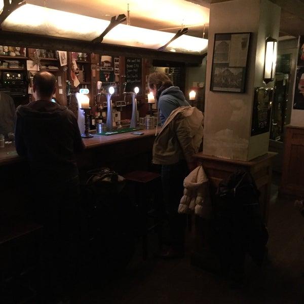 Photo taken at Café Re-Spons by Oscar W. on 2/3/2016