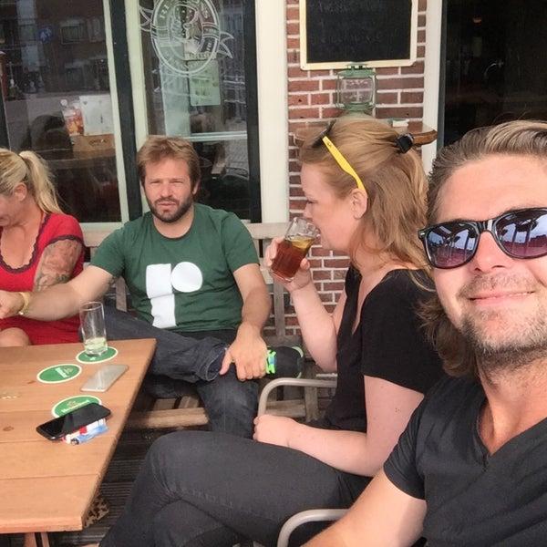 Photo taken at Café Re-Spons by Oscar W. on 6/24/2015