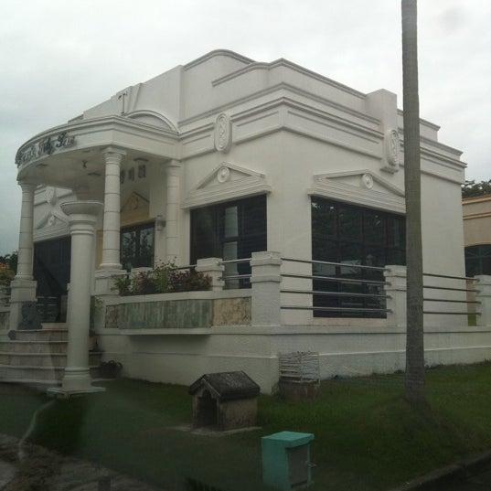 Photo taken at Manila Memorial Park by Patricia on 8/6/2011