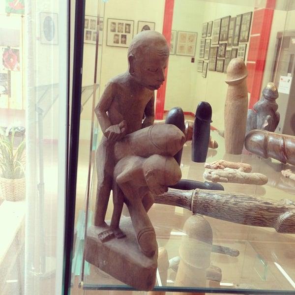 Foto tomada en Museu de l'Eròtica por Liliya T. el 5/8/2013