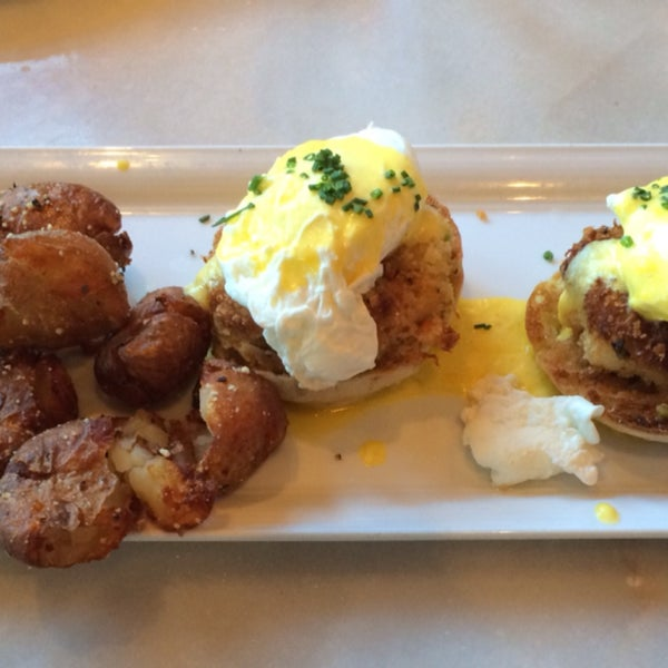 Crab egg Benedict is great! Calamari and bruschetta were both awesome!
