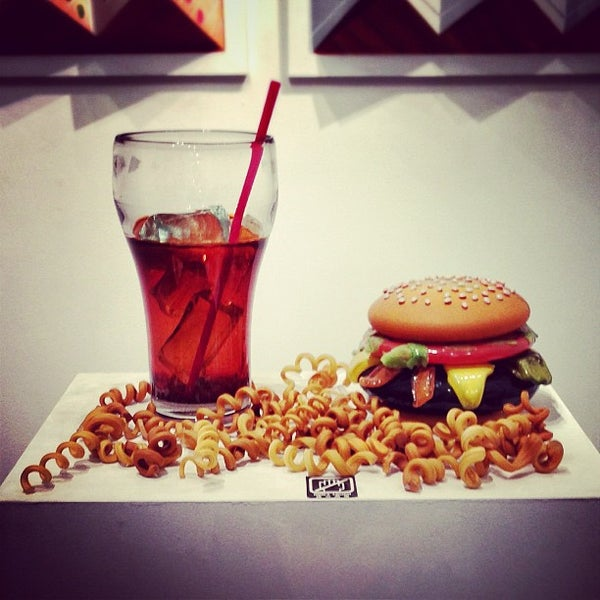 Photo taken at SoHo Gallery for Digital Art by Fernando B. on 10/16/2012