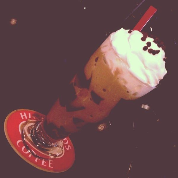 Photo taken at Highlands Coffee by Happie H. on 10/2/2013