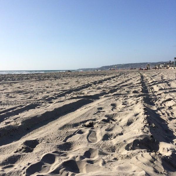 Foto tirada no(a) Mission Beach Park por Romellee A. em 5/10/2015