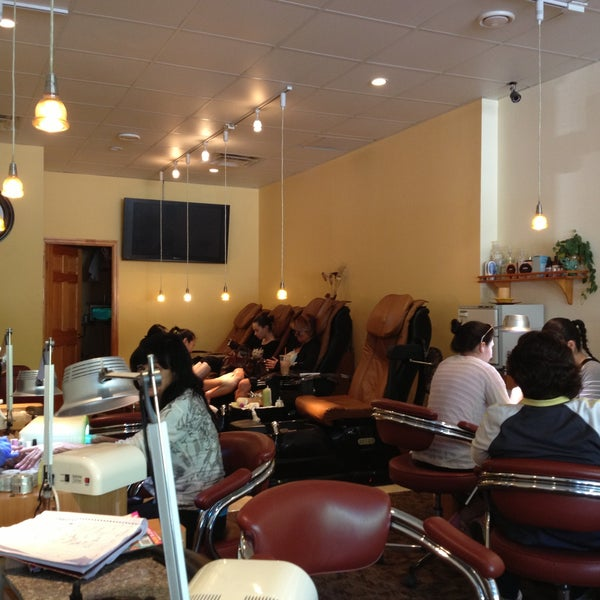 Lee lee nail salon todt hill 31 visitors for A q nail salon