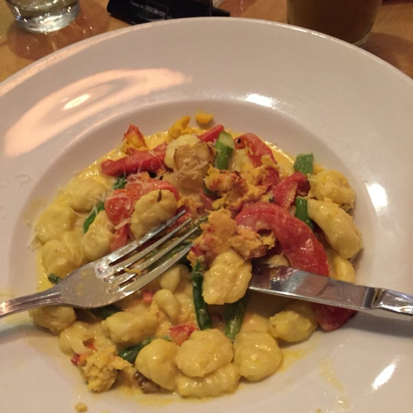 Just be cafeful with the appetizers because they are really big (at least the Lobster Gnocchi is).