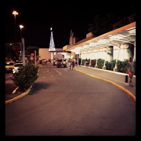 Photo taken at Shopping Recife by João Allex S. on 11/22/2012