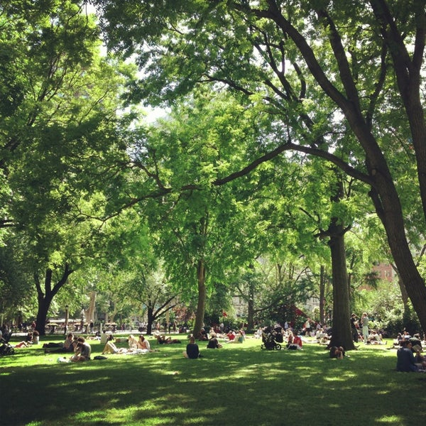 Foto diambil di Madison Square Park oleh Monica K. pada 6/5/2013