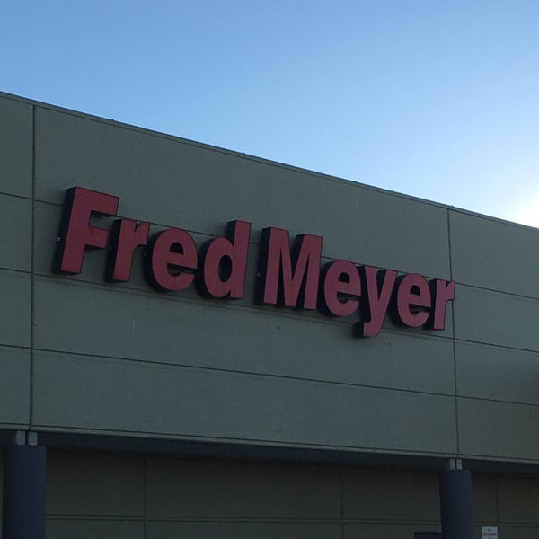 Photo taken at Fred Meyer by Wes S. on 3/7/2017