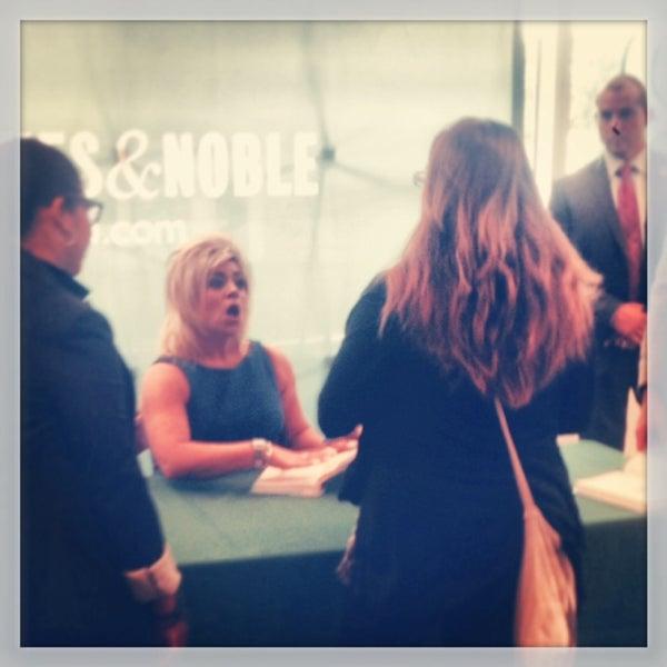 Photo taken at Barnes & Noble by Teresa C. on 10/1/2013
