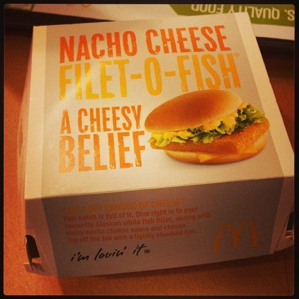 Photo taken at McDonald's / McCafé by HweeYi C. on 2/7/2014