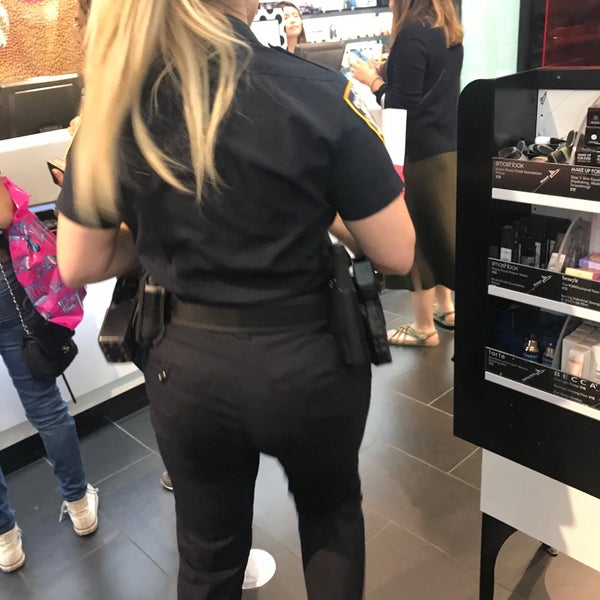 Photo taken at SEPHORA by Leyla D. on 8/27/2017
