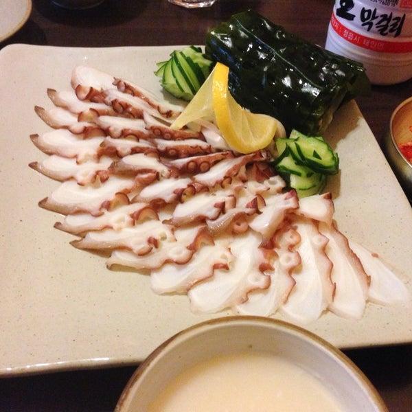 Photo taken at 월향 by Kookhee Y. on 2/22/2014