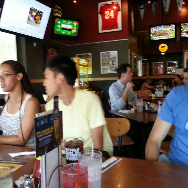 Photo taken at Buffalo Wild Wings by Aaron K. on 8/9/2013