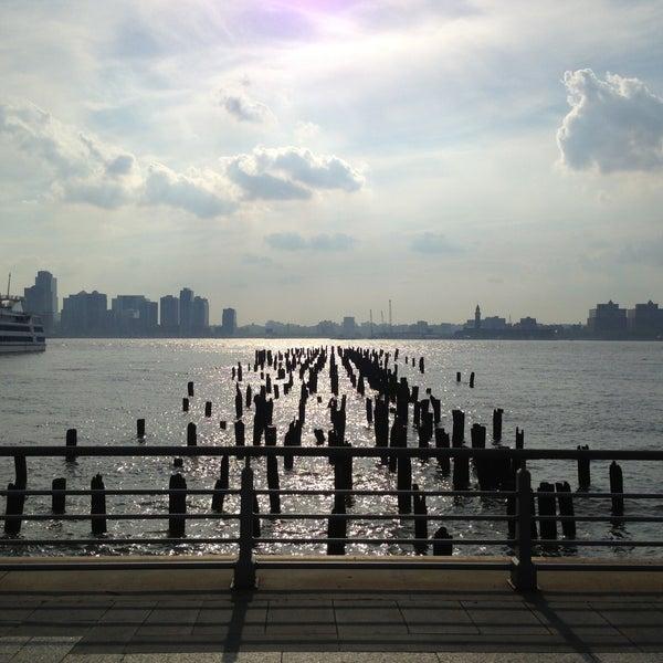 Das Foto wurde bei Hudson River Park von Alex F. am 5/29/2013 aufgenommen