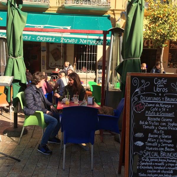 12/30/2016 tarihinde Tram L.ziyaretçi tarafından Café con Libros'de çekilen fotoğraf