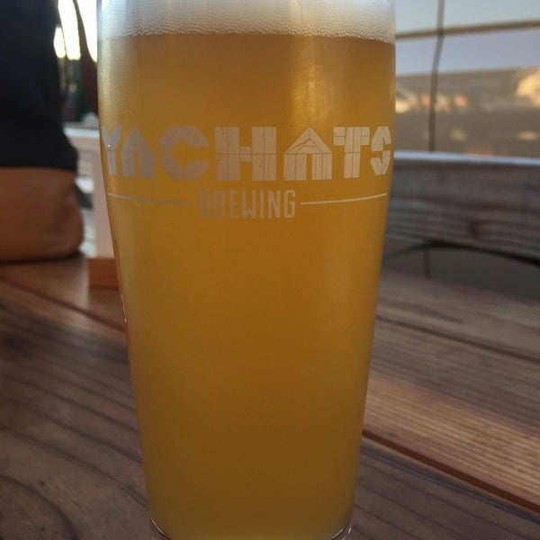 Photo taken at Yachats Brewing + Farmstore by Andrew C. on 7/30/2017