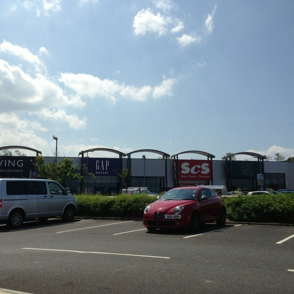 Shopping Plaza In Gateshead