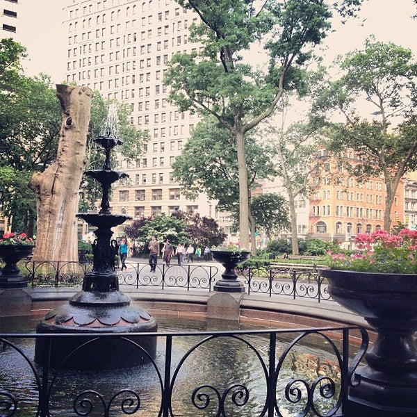 Foto diambil di Madison Square Park oleh Leland C. pada 6/6/2013