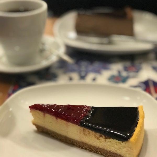 11/25/2017 tarihinde Dilek K.ziyaretçi tarafından Maria's Cheesecakes'de çekilen fotoğraf