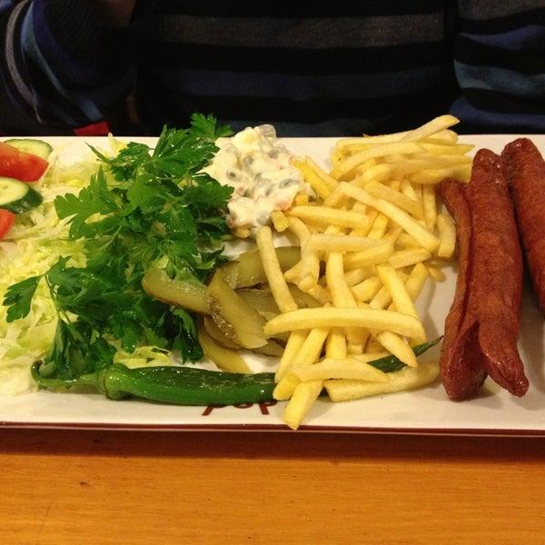 3/28/2013 tarihinde Ece G.ziyaretçi tarafından Dodo Cafe & Pub'de çekilen fotoğraf