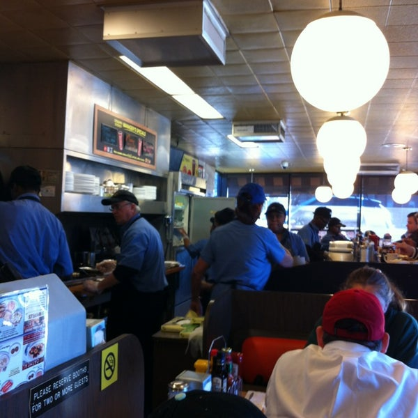 Photo taken at Waffle House by LA P. on 2/2/2013