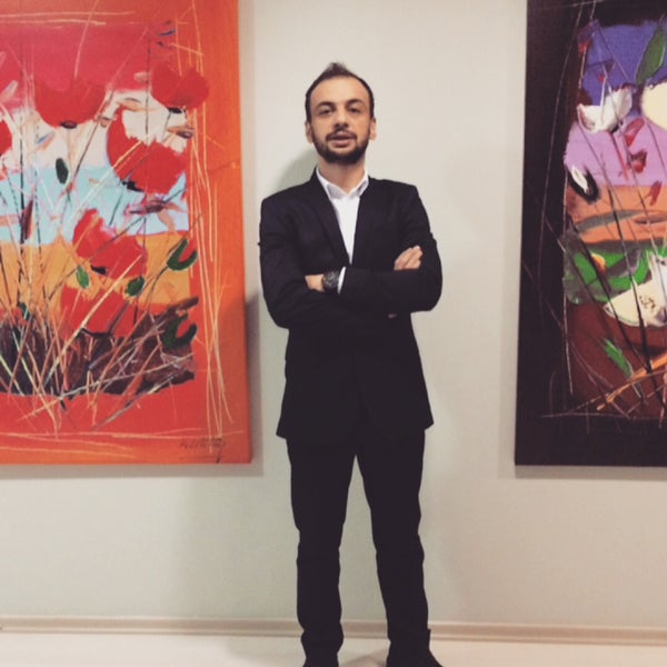Photo taken at Mine Sanat Galerisi by Panguduzzz@ on 1/28/2015