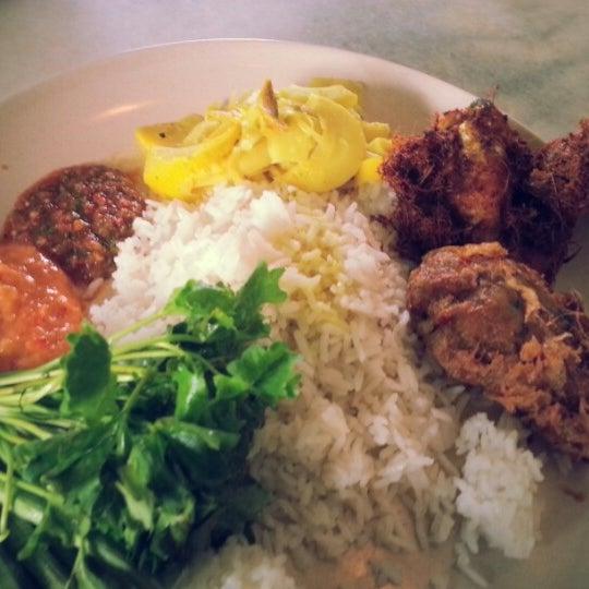Photo taken at Restoran Sambal Hijau by aqah j. on 1/12/2013