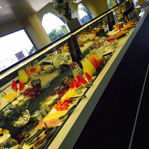 Café da Manhã Espetacular.. Apartamentos aconchegantes, Limpeza Impecável ! Recomendo a Todos !