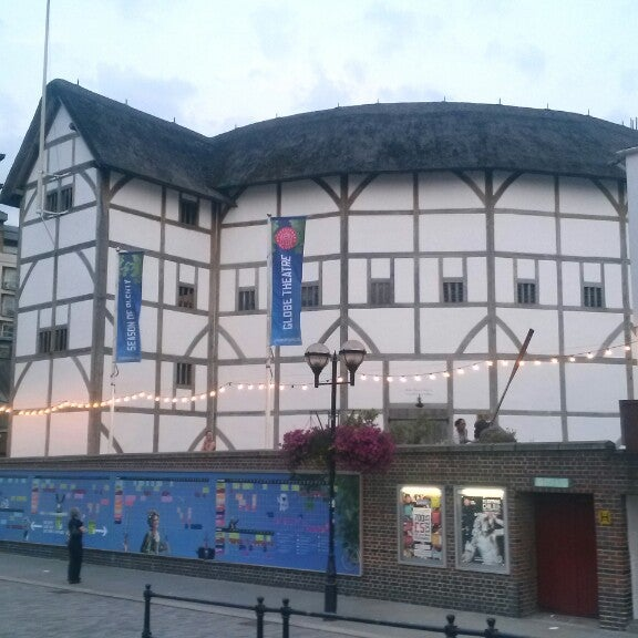 Photo taken at Shakespeare's Globe Theatre by Indrek K. on 7/17/2013