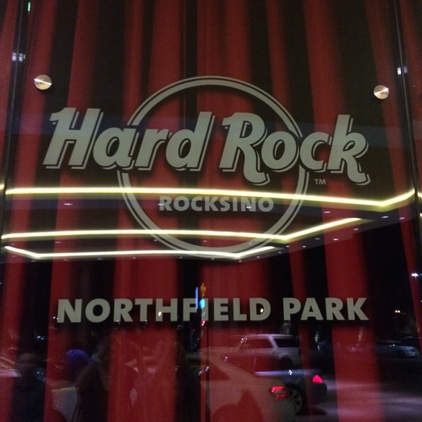 Photo taken at Hard Rock Rocksino Northfield Park by Jacky L. on 9/21/2014