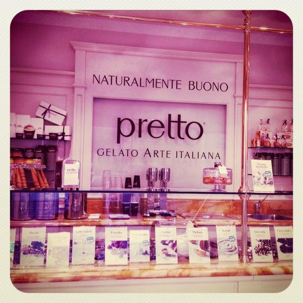Foto scattata a Pretto Gelato Arte Italiana da 🌸БрУсниЧкина🌸 il 8/18/2013