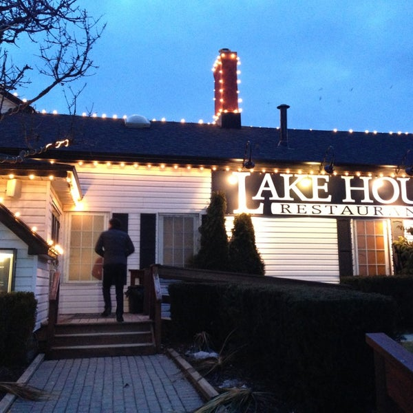 Photo taken at Lake House Restaurant by Katya L. on 3/2/2013