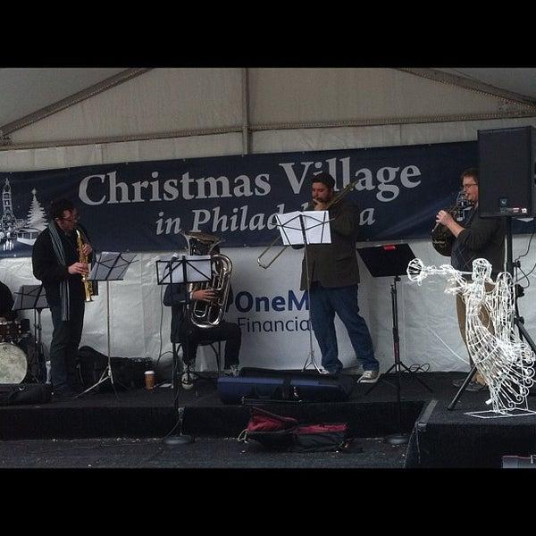 Das Foto wurde bei Christmas Village von conrado125 am 12/1/2012 aufgenommen