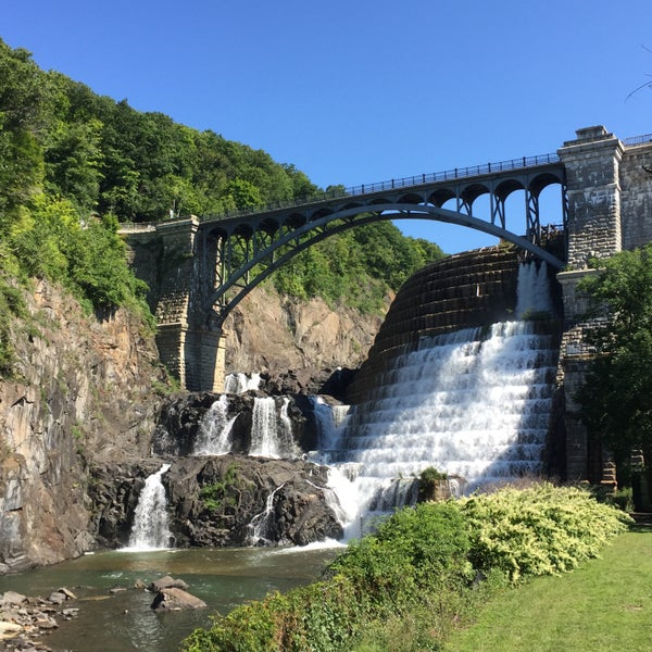 Photo taken at Croton Gorge Park by Wilson H. on 8/28/2016