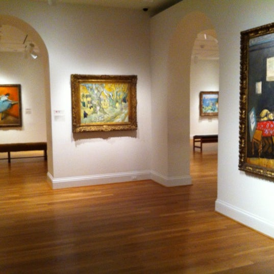 Photo taken at The Phillips Collection by Sirin Y. on 11/11/2012