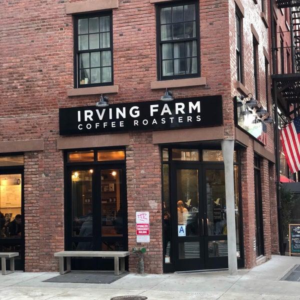 Снимок сделан в Irving Farm Coffee Roasters пользователем Andrew F. 12/2/2017