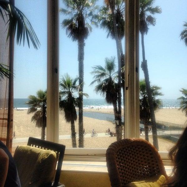 รูปภาพถ่ายที่ Casa Del Mar Hotel โดย Oren A. เมื่อ 5/19/2013