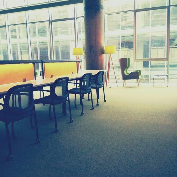 Photo taken at MEF Üniversitesi Kütüphanesi by Ayberk Ö. on 11/25/2014