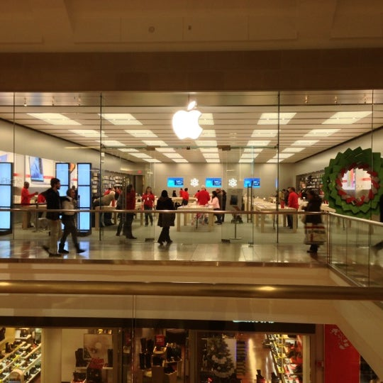 Apple Garden State Plaza Electronics Store In Paramus