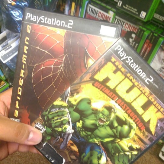 Photo taken at Game Over Videogames by Thug_n3rd on 9/10/2014