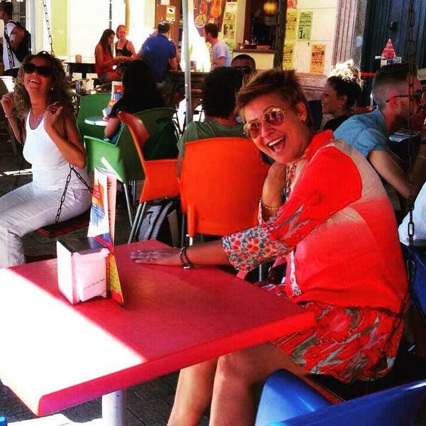 6/28/2015 tarihinde Myriam A.ziyaretçi tarafından Café con Libros'de çekilen fotoğraf