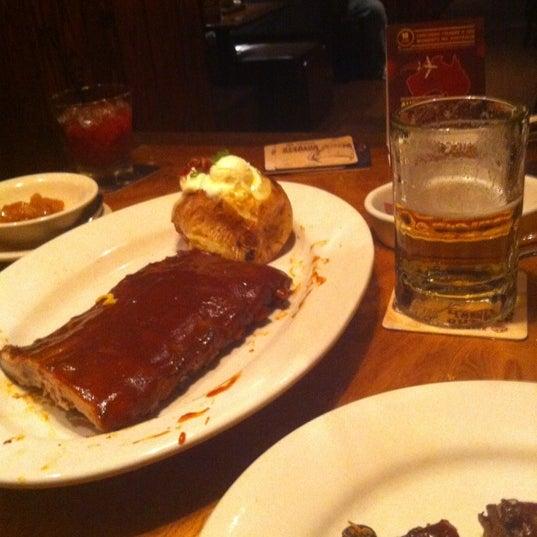 Foto tirada no(a) Outback Steakhouse por Huascar M. em 11/14/2012