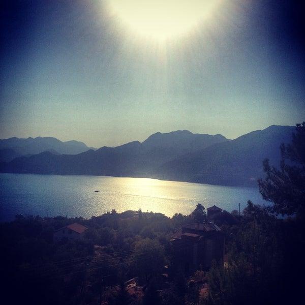 รูปภาพถ่ายที่ Loca Hotel โดย Zeynep S. เมื่อ 7/13/2013