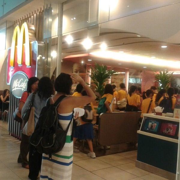Photo taken at McDonald's / McCafé by 💕🌼 ÅnGe£icÅ 💕🌼 on 5/10/2013
