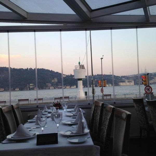 3/23/2013 tarihinde Duygu S.ziyaretçi tarafından Akıntı Burnu Restaurant'de çekilen fotoğraf