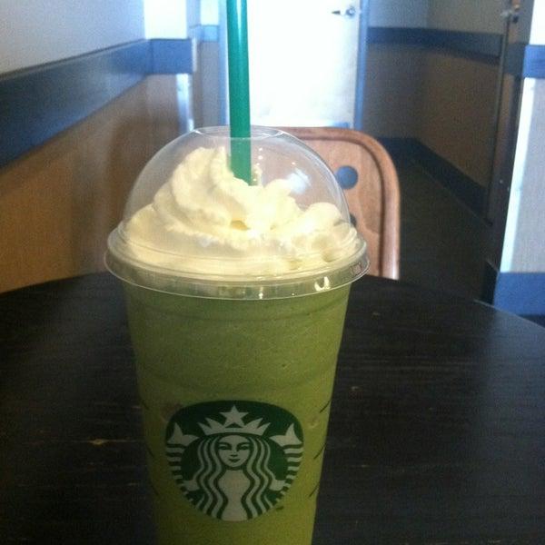 6/12/2013에 Alicia P.님이 Starbucks에서 찍은 사진