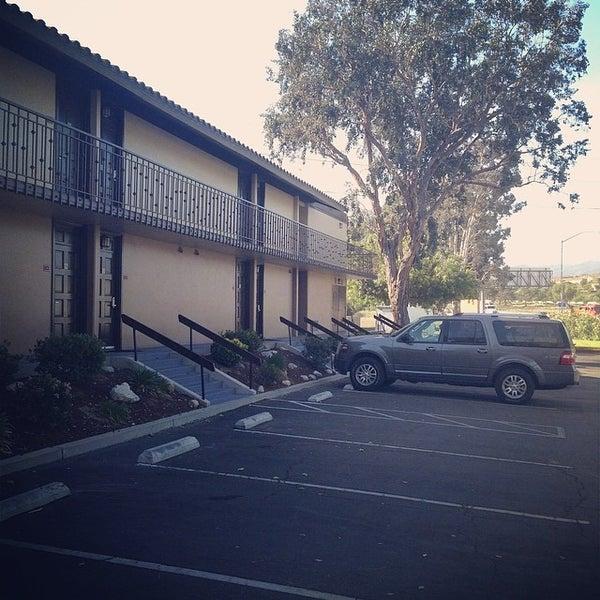 Снимок сделан в Best Western Valencia Inn пользователем Remigiusz F. 4/30/2014
