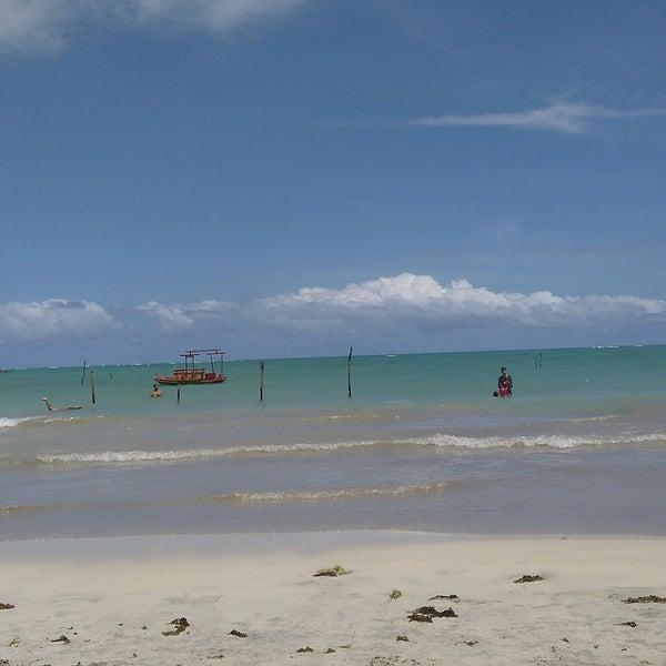 Foto tirada no(a) Praia de São Miguel dos Milagres por Carla L. em 10/15/2017